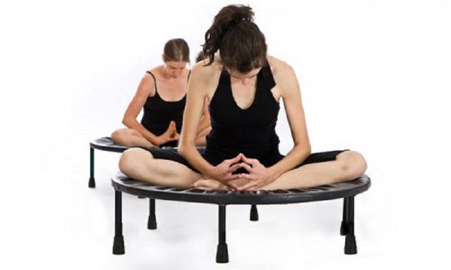 mini trampoline pour faire du Yoga